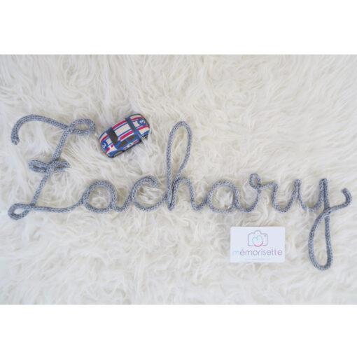 Prénom ZACHARY en tricotin gris